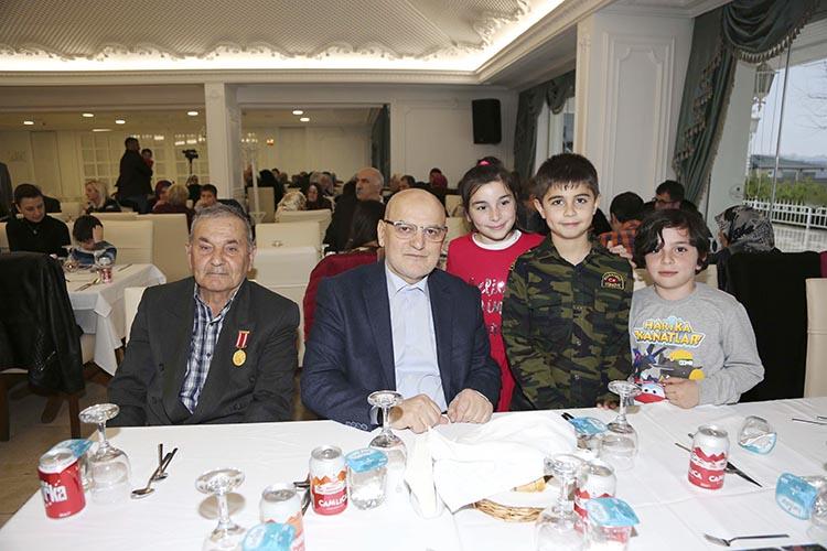 Beykoz'da şehit aileleri için sofra kuruldu