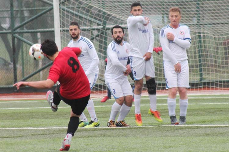 Göllüspor, İncirköy'ü 4 golle geçti