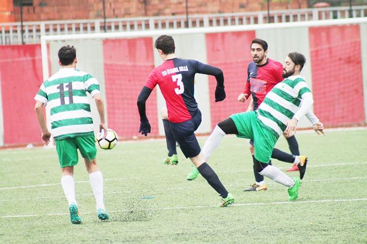 TED İstanbul futbol derslerine devam ediyor