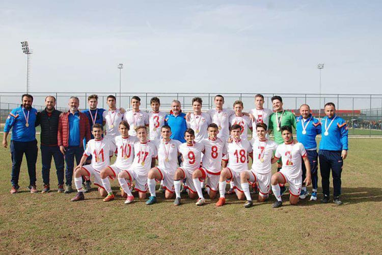 Beykoz Spor Lisesi ilk sekize girdi