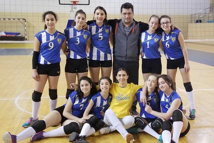 Beykoz kızları Voleybolda Çekmeköy'ü geçti
