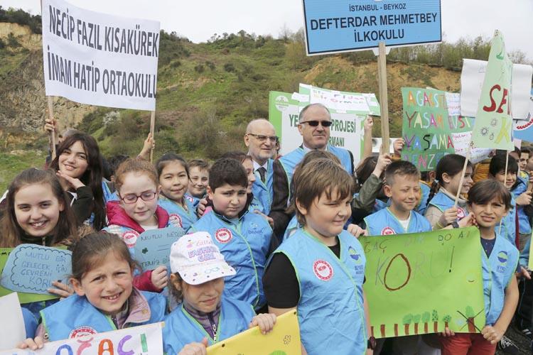 Beykoz'un yeşil okullarından 500 çam fidanı