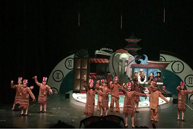 Beykoz'da Küçük tiyatroculardan büyük performans