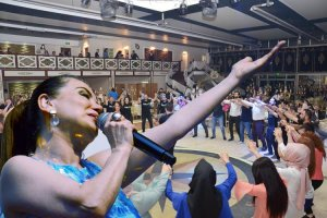 Hülya Polat 22. Sanat Yılı'nı Beykoz'da kutladı