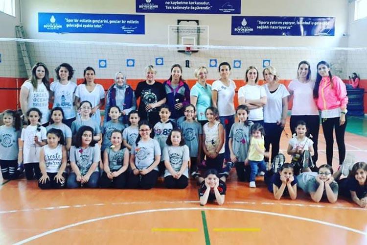 Beykoz'da spor kulüpleri anneleri unutmadı