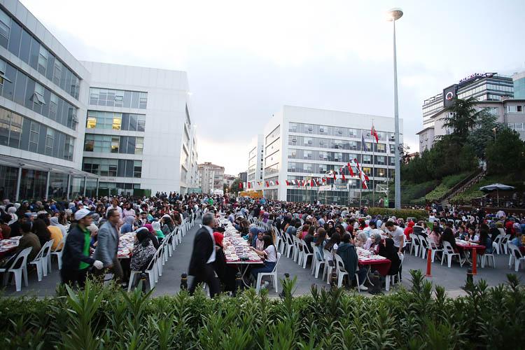 Beykoz'da 2 bin üniversiteli iftarda buluştu