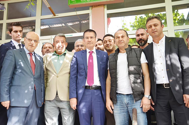 Bakan Canikli, Beykoz'da hemşerileriyle buluştu