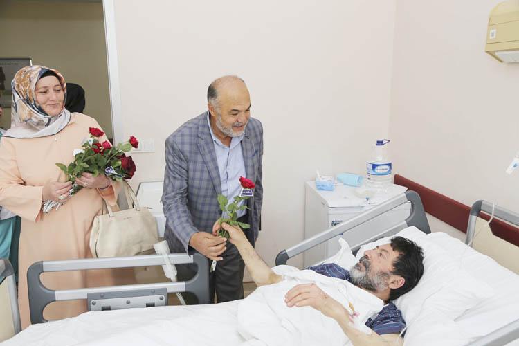 Ramazan Ayı'nda Beykoz'da hastalara sevgi ziyareti