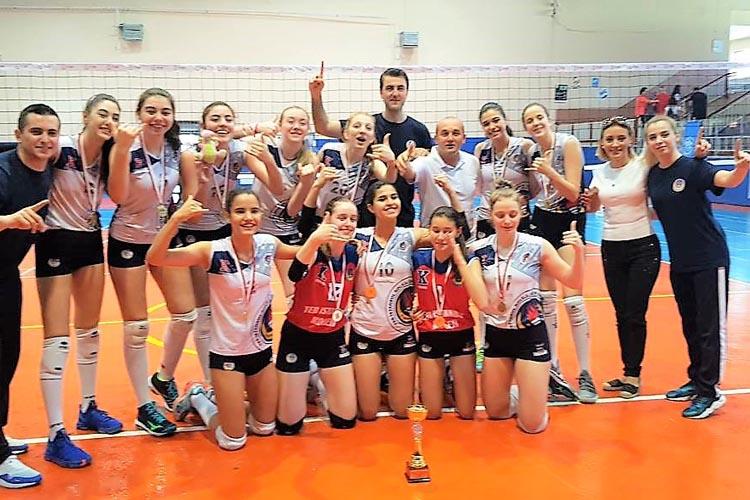 TED İstanbul kızları Türkiye Şampiyonu oldu
