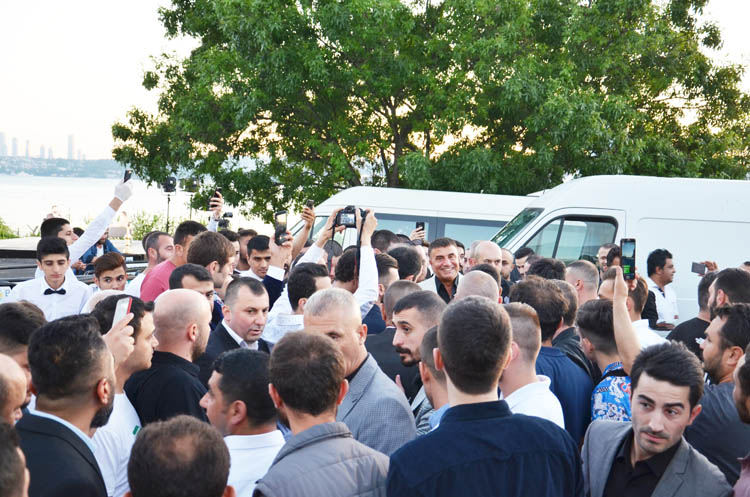 Sedat Peker Beykoz'da gençliğe yön gösterdi