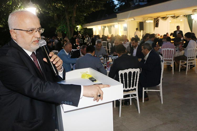 Selman Esmerer: 'İttifak yaptık, dinden çıkmadık'