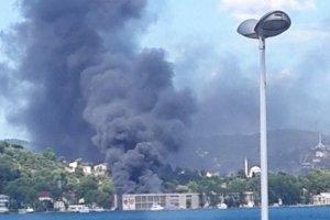 Beykoz Deri Kundura'da film stüdyosu yanıyor