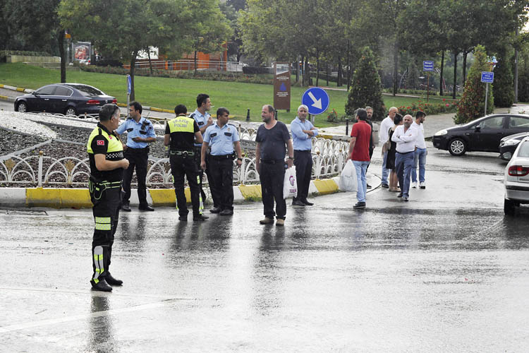Sağanak Beykoz'da kazaya neden oldu