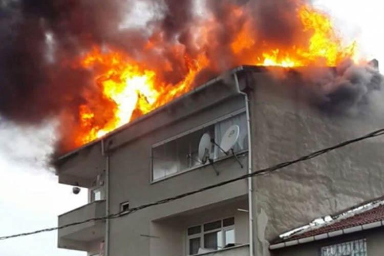Beykoz'da 4 katlı binada yangın