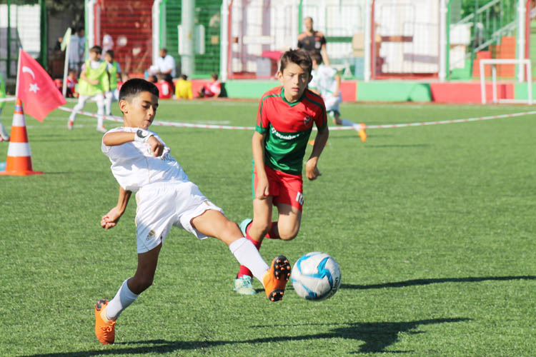 Paşabahçe, Minikler Futbol Şöleni ile şenlendi