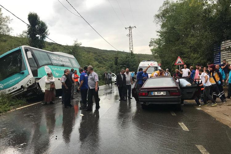 Akbaba'da trafik kazası yaralılar var