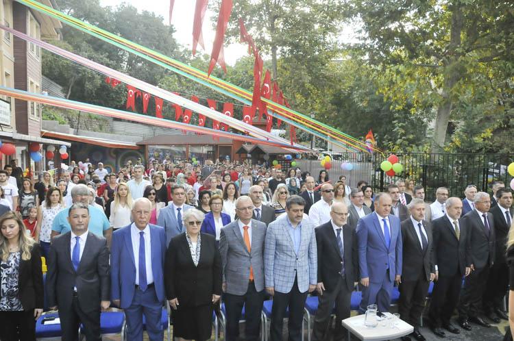 Beykoz'da yeni eğitim-öğretim yılı başladı