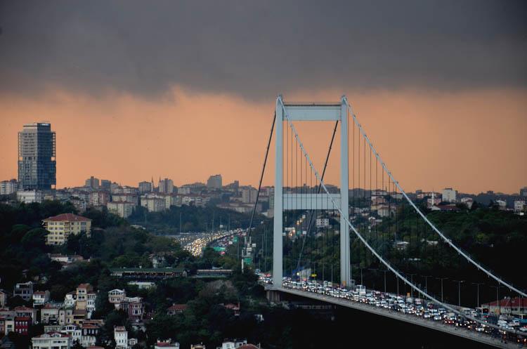 Beykoz'da kara bulutlar