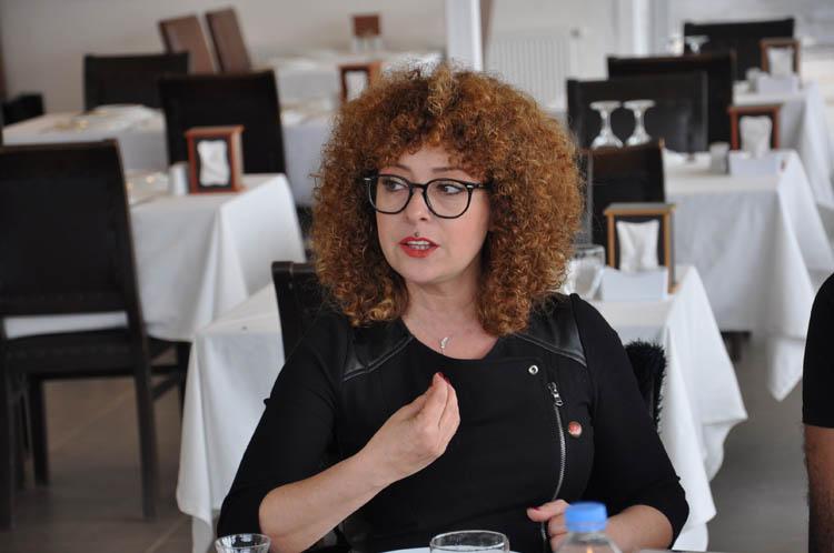 Nezihe Muhiddin Sahnesi Beykoz'da açıldı