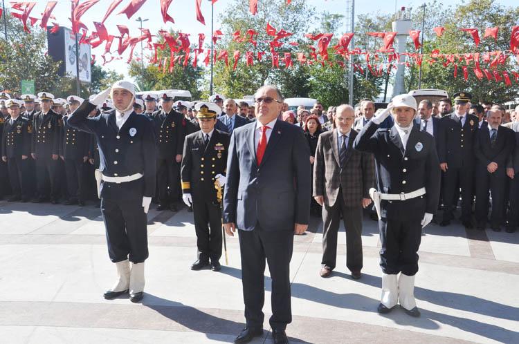 Beykoz'da 29 Ekim çelenk töreni düzenlendi