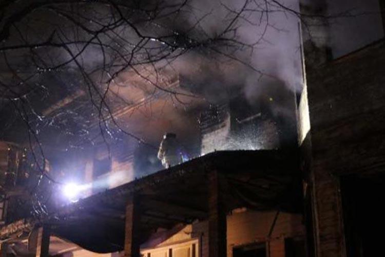 Beykoz Akbaba'da ahşap köşk yandı