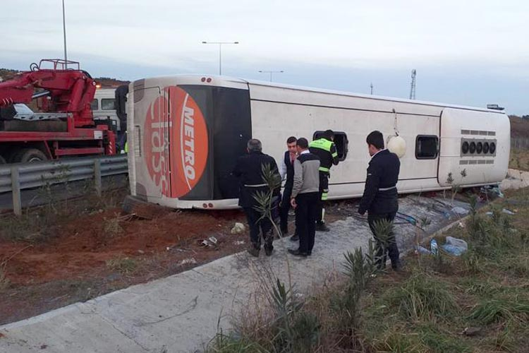 Beykoz'da otobüs şarampole devrildi, 6 yaralı