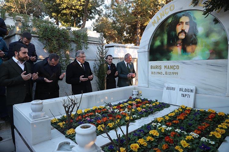 Barış Manço Beykoz'daki kabri başında anıldı