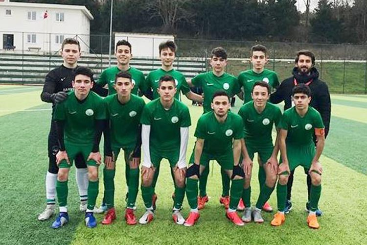 Kavacıkspor gençleri iyi futbolu 6 golle süsledi