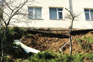 Beykoz'da toprak kayması…  Ev mühürlendi