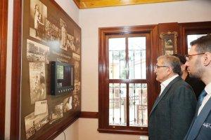 Murat Aydın Beykoz'da Şiir Müzesi'ni ziyaret etti