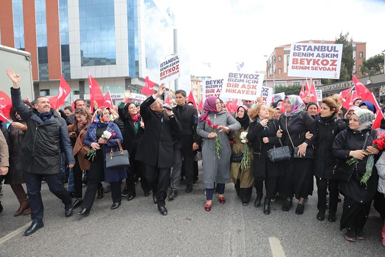 AK Parti Beykoz'da finali sevgi yürüyüşü ile yaptı