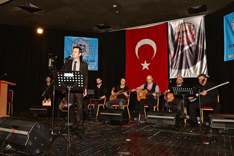 Türk Ocağı Başkanı Beykoz'da türkü söyledi