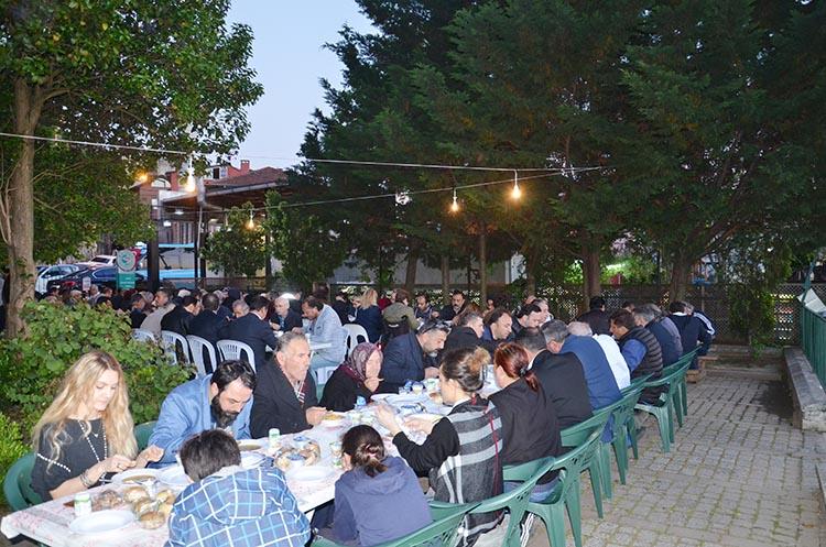 KAS-DER Beykoz'da iftar geleneği sürüyor