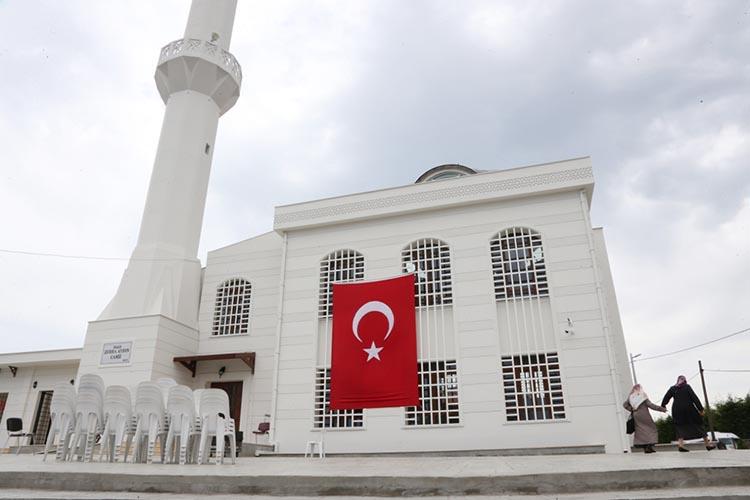 Beykoz'un yeni camisi dualarla ibadete açıldı