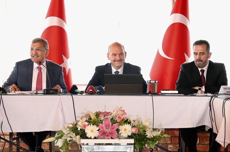 İçişleri Bakanı Beykoz'da muhtarlarla toplantı yaptı