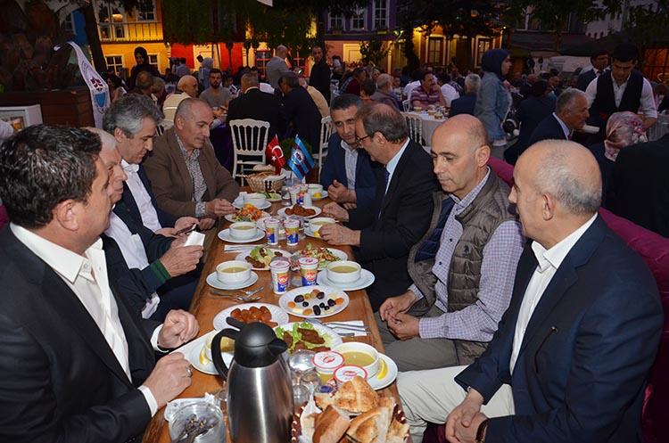 Beykoz'un Trabzonluları Çavuşbaşı'nda iftar yaptı