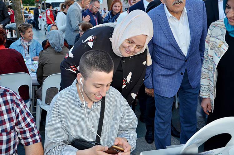 Aile Bakanı Zehra Selçuk, Beykoz'da müjde verdi