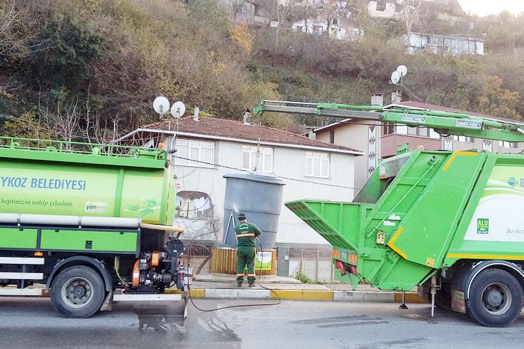 Beykoz'da çöp dezenfekteleri aralıksız sürüyor
