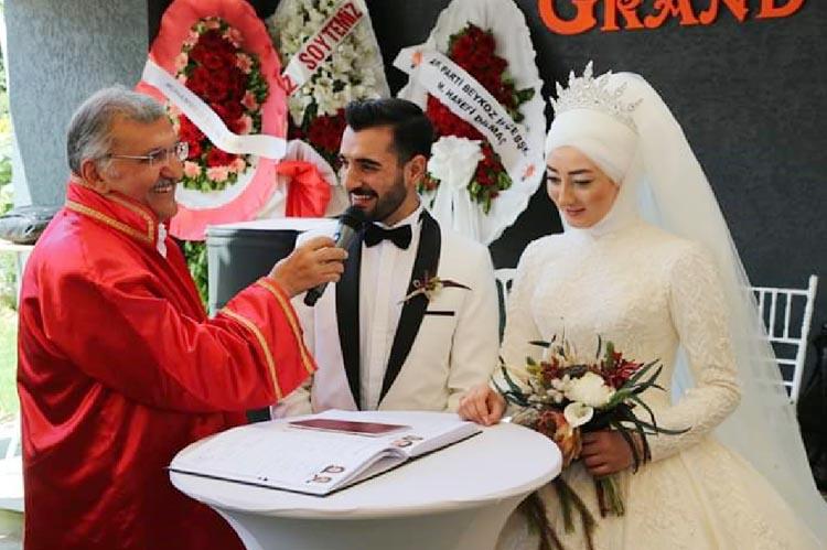 AK Partili Yusuf Avşar'ın mutlu günü