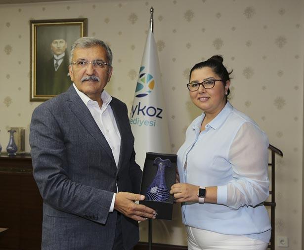 Ziyarette, Türk asıllı Belediye Başkan Yardımcısı Derya Taşkın da eşlik etti