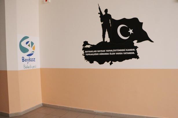 Her eğitim-öğretim yılında ilçedeki okullara 1 yıllık boya ve temizlik malzemesi dağıtıldı