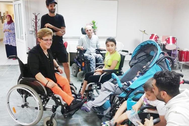 Milli oyuncudan TOFD Beykoz'a ziyaret