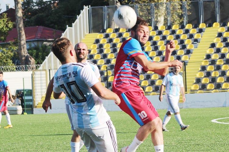 İshaklı Kaynarca'yı 5 golle geçti