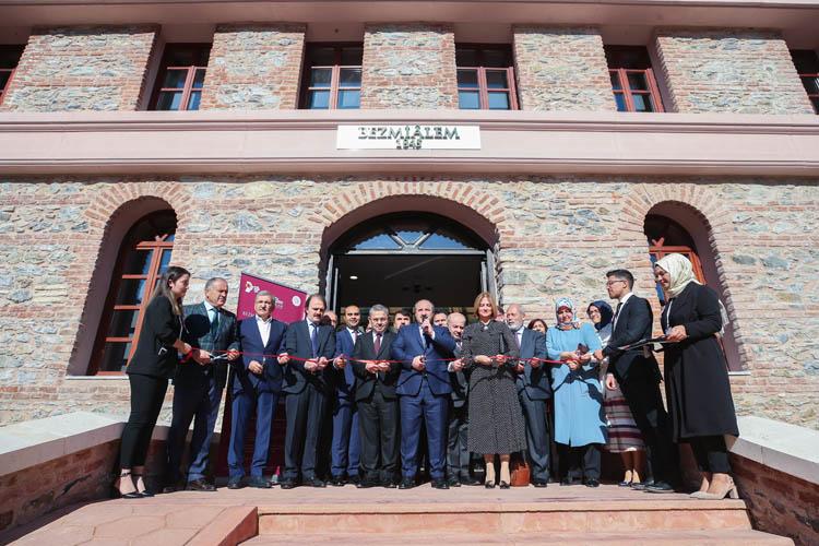 Varank, Beykoz'da enstitü açılışı yaptı
