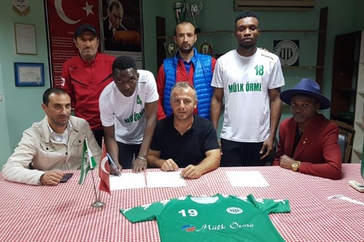 Gümüşsuyuspor'un yabancıları imzalarını attı