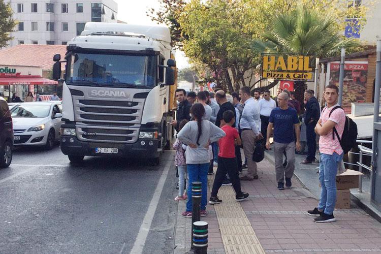 Beykoz Kavacık'ta hafriyat kamyonu bir kadını ezdi