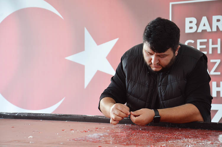 Beykoz'da dünyanın en büyük Türk Bayrağı