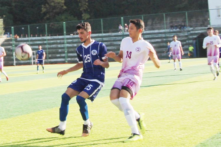 Üniversitelerarası futbol heyecanı Beykoz'da yaşandı