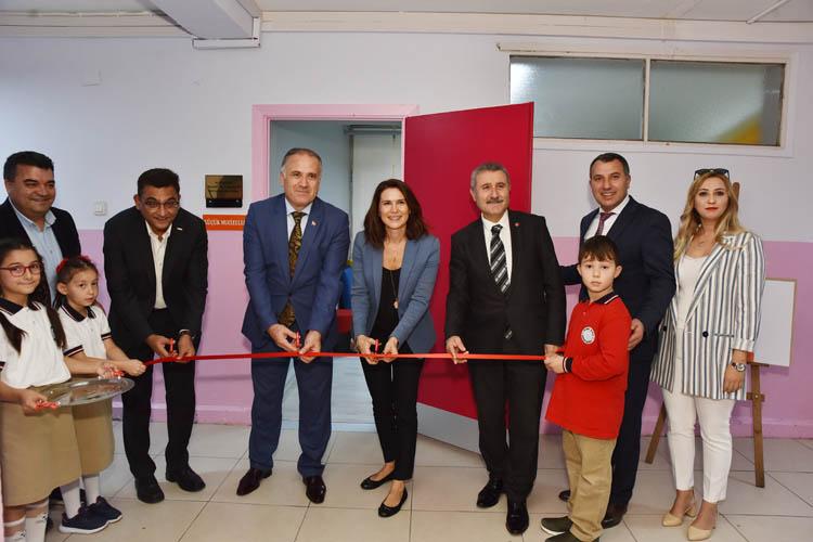 Beykoz Soğuksu İlkokulu'nda yeni kütüphane açıldı