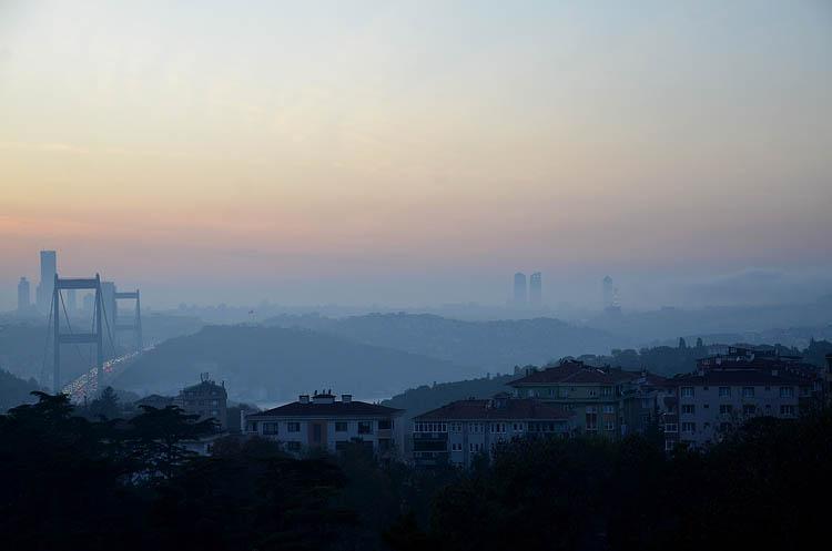 Beykoz'da gün batımı sisle büyüledi